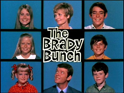 The Classic Brady Bunch tic-tac-toe picture