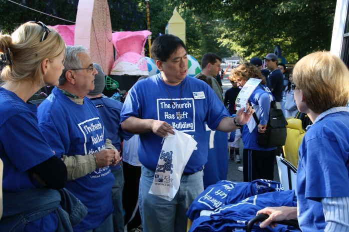 2007-10-13 - Leading our awesome volunteers for Youth Day Parade