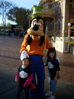 Having fun with Goofy