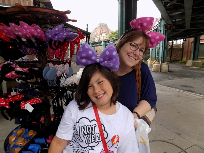 2015-07-07 - Cassie and Emma with Minnie bows