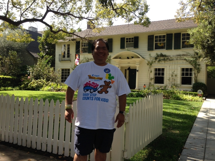 2014-10-12 - Me in front of the Father of the Bride house